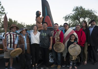 Actor Adam Beach and the totem pole team in L.A., ©Nancy Bleck, Slanay Sp'ak'wus